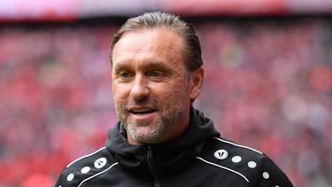 Thomas Doll führte Außenseiter APOEL im Playoff-Hinspiel gegen Ajax zu einem Remis