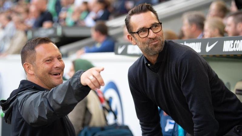 Hertha-Coach Pál Dárdai (l.) und Michael Preetz glauben an ihre Chance