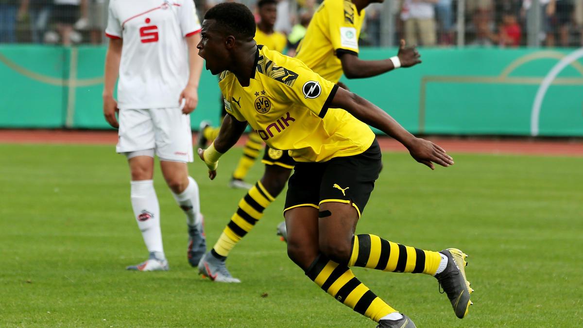 Youssoufa Moukoko erzielte für die U19 des BVB einen Dreierpack