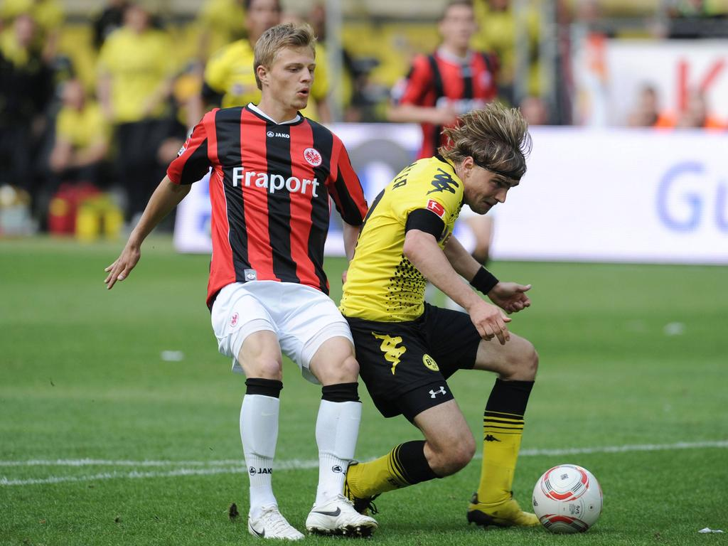 Marcel Titsch-Rivero (l.) bei seinem Rekord-Foul gegen Marcel Schmelzer vom BVB