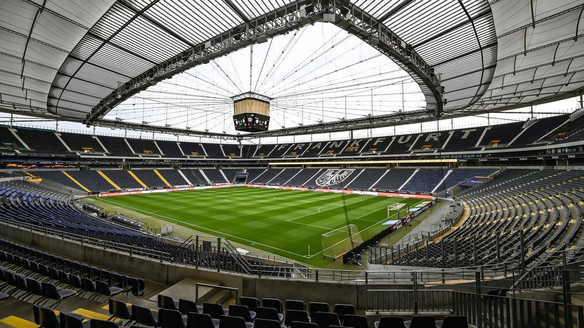 Eintracht Frankfurt darf wieder Zuschauer ins Stadion lassen