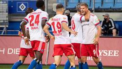 HSV nach Sieg in Paderborn an der Tabellenspitze