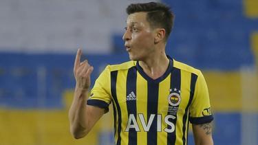 Mesut Özil bekommt einen neuen Trainer