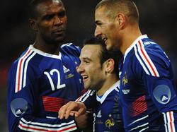 Abidal, Valbuena y Benzema en una imagen de archivo. (Foto: Getty)