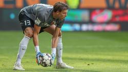 Torhüter Fabian Giefer steht beim FC Augsburg heftig in der Kritik