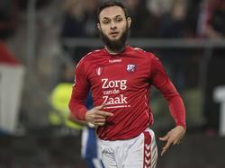 Nacer Barazite in actie tijdens het competitieduel tussen FC Utrecht en sc Heerenveen. (05-02-2017)