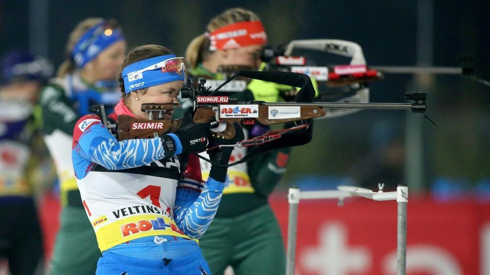 Russlands Biathletin Ekaterina Yurlova-Percht (v.)