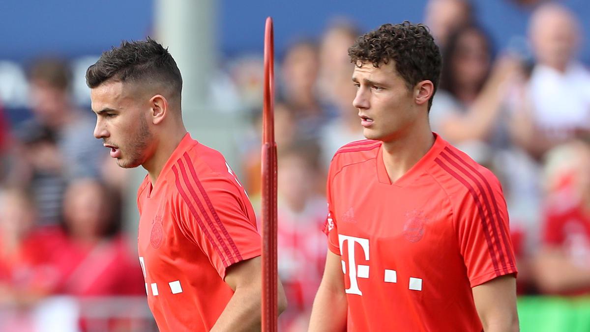 Benjamin Pavard (r.) wechselte vom VfB Stuttgart zum FC Bayern