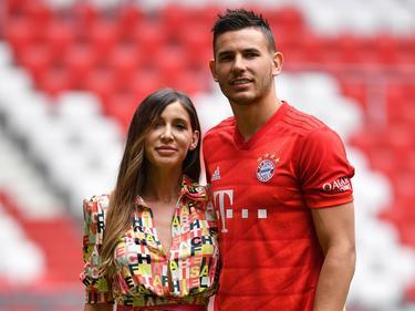 Lucas Hernández y su novia en el estadio Allianz Arena.