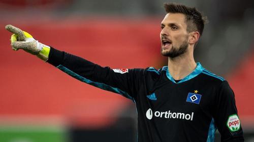 Torhüter Sven Ulreich will mit dem HSVaufsteigen. Foto: Marius Becker/dpa