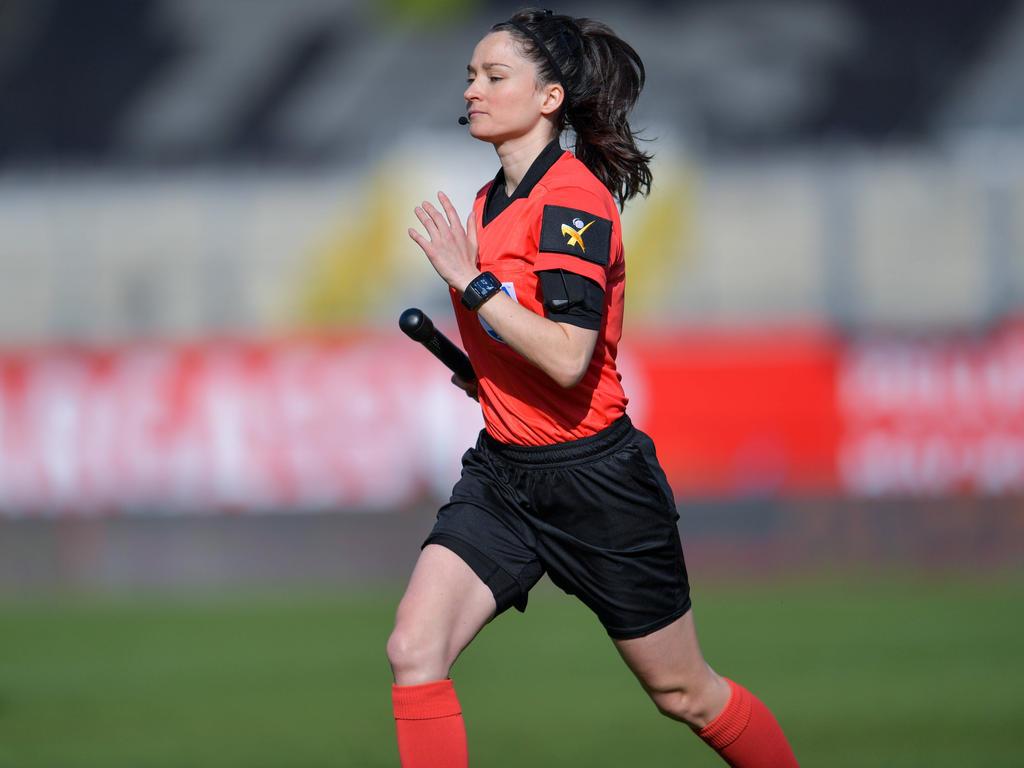 Sara Telek ist Österreichs Aushängeschild bei den Schiedsrichterinnen