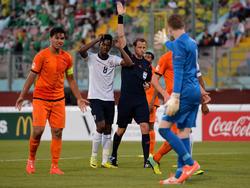 Keziah Veendorp (l.) was aanvoerder van Oranje onder 17 op het Europees Kampioenschap in 2014.