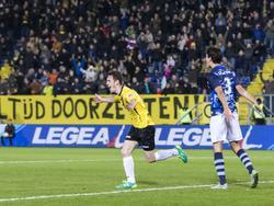 Grad Damen viert zijn doelpunt in de Jupiler League voor NAC Breda tegen FC Eindhoven. (19-02-2016)