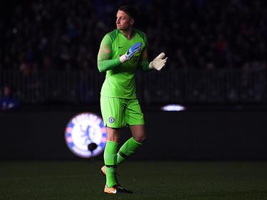 Marcin Bulka con la camiseta del Chelsea.