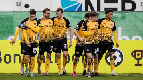 Spitzenreiter Dynamo Dresden bleibt in der Spur