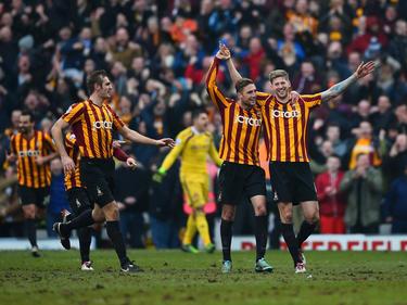 Los jugadores del Bradford celebran el pase a cuartos de la FA Cup. (Foto: Getty)