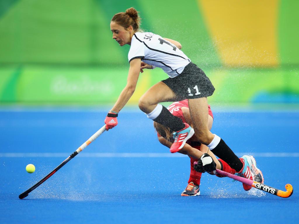 Lisa Schütze und die deutschen Hockey-Damen stehen im Viertelfinale