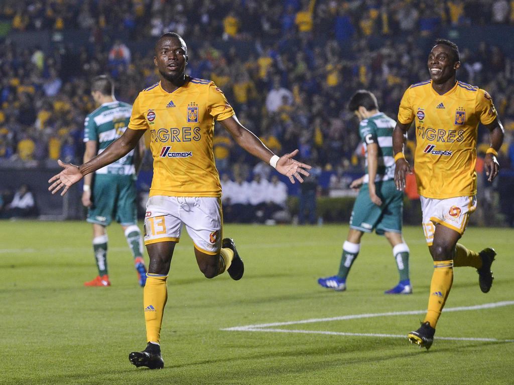 Enner Valencia brilló contra el Santos con un doblete. (Foto: Getty)