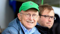 Willi Lemke und der scheidende Bayern-Präsident Uli Hoeneß haben ihren Dauerstreit beendet