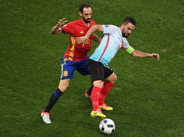 Arda Turan se enfrentó a España en la pasada Eurocopa de Francia. (Foto: Getty)