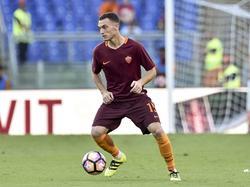 Thomas Vermaelen heeft de bal tijdens het competitieduel AS Roma - Udinese (20-08-2016).