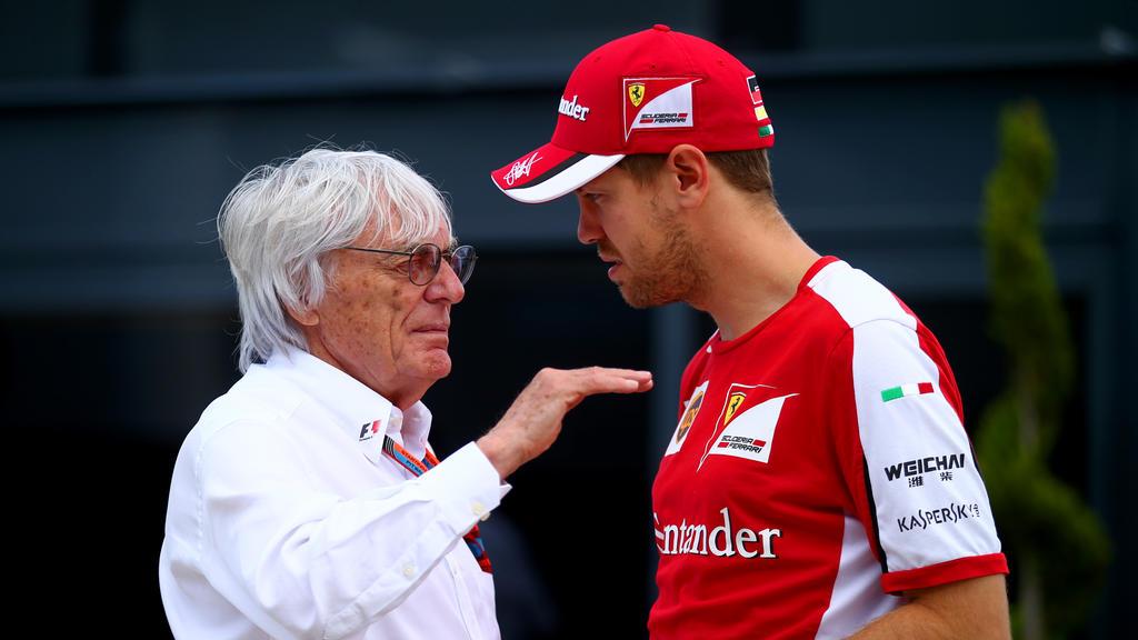 Bernie Ecclestone (l.) glaubt nicht, dass Sebastian Vettel noch lange fährt