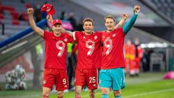 Robert Lewandowski (l.) ist der Platzhirsch im Sturm des FC Bayern