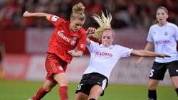 Linda Dallmann (l.) bleibt dem FC Bayern erhalten