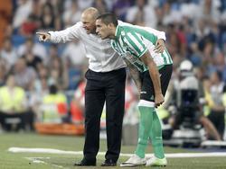 Pepe Mel gibt Braian Rodríguez letzte Anweisungen