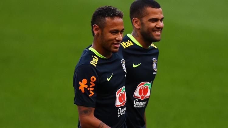 Dani Alves nimmt Neymar in Schutz