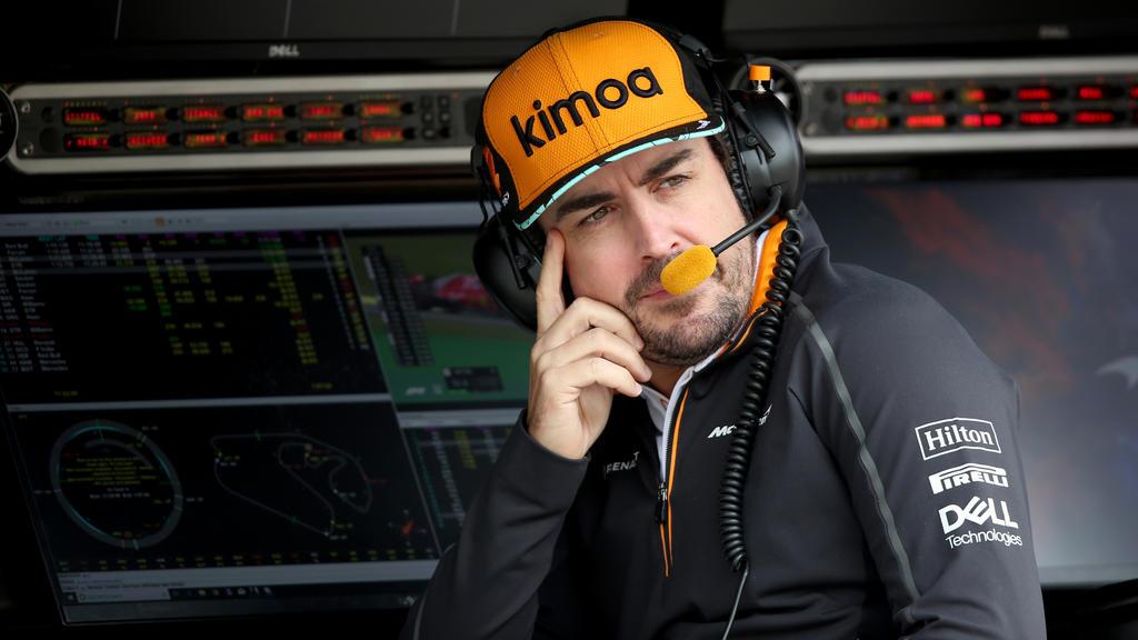 Alonso war nach F1-Training in Sao Paulo zur NASCAR-PK in Phoenix zugeschaltet