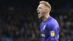 Cameron Dawson of Sheffield Wednesday celebrates victory.