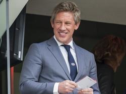 Technisch directeur Marcel Brands heeft zin in de topwedstrijd tussen PSV en Ajax. (20-03-2016)