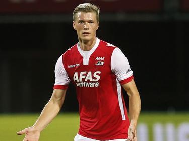 Viktor Elm tijdens het competitieduel van AZ met FC Groningen. (25-10-2014).