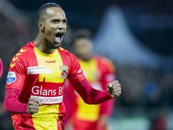 Jarchinio Antonia schreeuwt het uit als hij Go Ahead Eagles in de wedstrijd tegen Feyenoord op 1-0 heeft gezet. (06-11-2016)