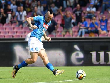 Hamsik realiza un disparo a puerta para el líder de la Serie A. (Foto: Getty)