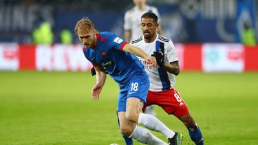 Sebastian Griesbeck (l.) verletzte sich im Spiel gegen den Hamburger SV