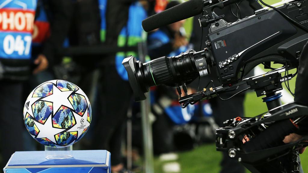 欧足联开会辩论选项蹂躏足球夹具日历