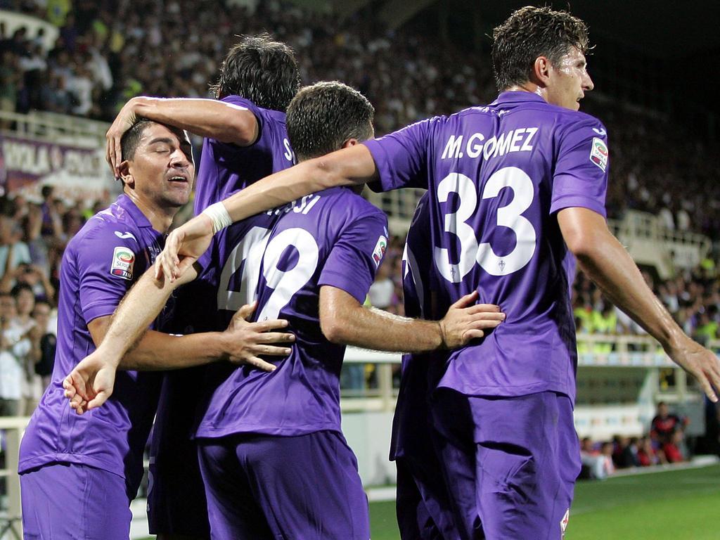 Die Viola feiert David Pizarros (l.) Treffer zum 2:1