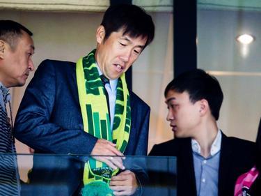 Gao Hongbo, adviseur van ADO, is op bezoek bij de competitiewedstrijd ADO-Excelsior. (27-09-2015)