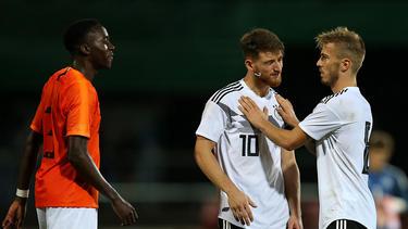 Jordan Teze (l.) wurde vom KNVB suspendiert