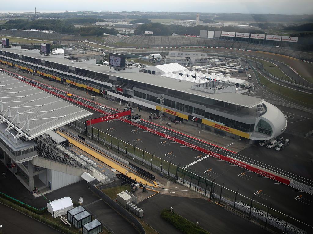 Bald Geschichte? Seit Jahrzehnten starten die Formel-1-Autos versetzt in die Rennen