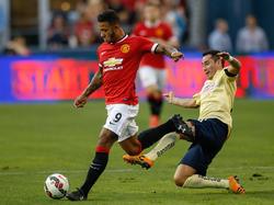 Rubens Sambueza (dcha.), capitán del América en un amistoso conte el Manchester United. (Foto: Getty)