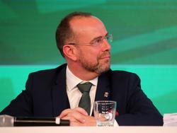 Der neuen Rapid-Präsident feiert seine Premiere beim Duell gegen den Stadtrivalen