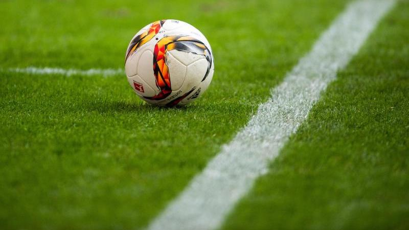 In den drei führenden dänischen Fußballligen werden alle Partien der kommenden beiden Wochen abgesagt
