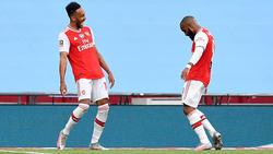 Pierre-Emerick Aubameyang (li) schnürte  gegen Manchester City einen Doppelpack