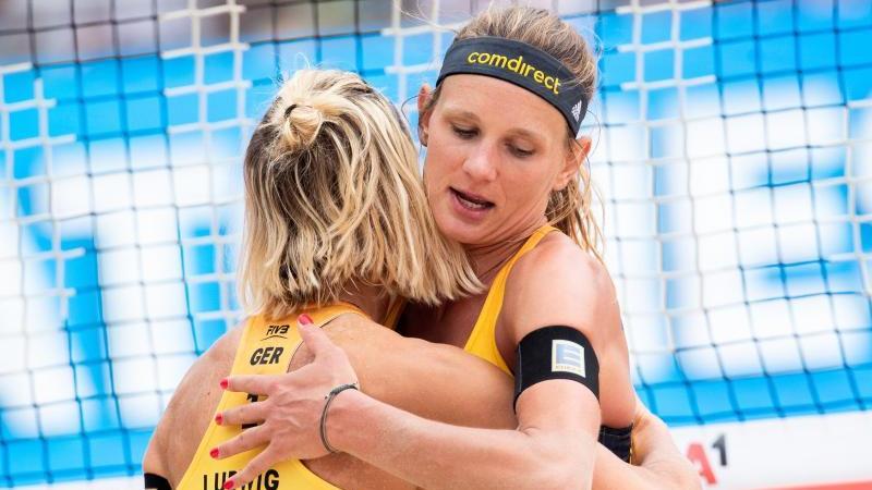 Laura Ludwig und Margareta Kozuch belegten in Düsseldorf Platz zwei