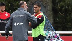 Konstantinos Mavropanos (re.) fehlt dem VfB vorerst