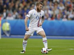 Spielt der Vollbartträger Aron Gunnarsson bald für die Hanseaten?