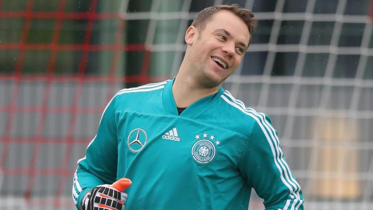 Manuel Neuer hat sich vor den DFB-Länderspielen zu seiner Form geäußert